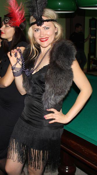 Что одеть на гангстерскую вечеринку в стиле 20-х годов  - чикаго ... c8790194ea0