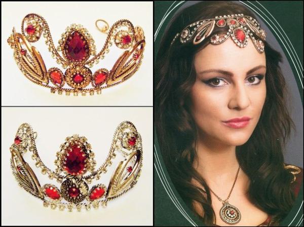 Наслаждайтесь головокружжжжительными украшениями Великолепного века!