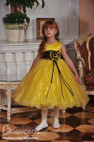 Нарядное детское платье спицами платья малышке Pinterest Платье