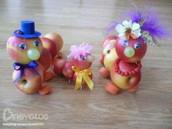 Семья гусениц из яблок мастер класс