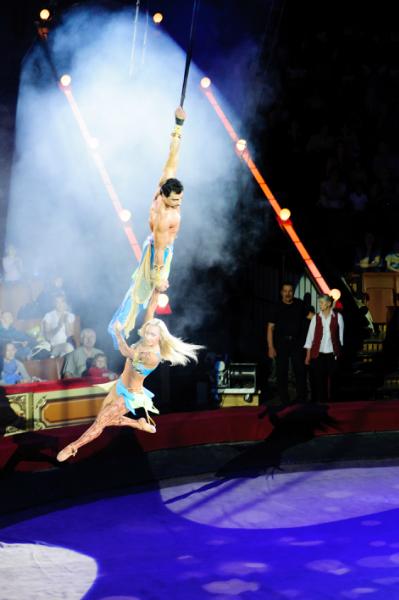 несколько кадров я сделать успела). не так давно мы наконец попали в цирк на Вернадку, меня всегда впечатляли только...
