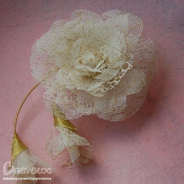 Цветок своими руками из кружева