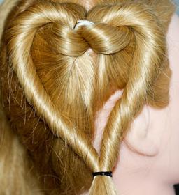 Как сделать сердечки из волос 975