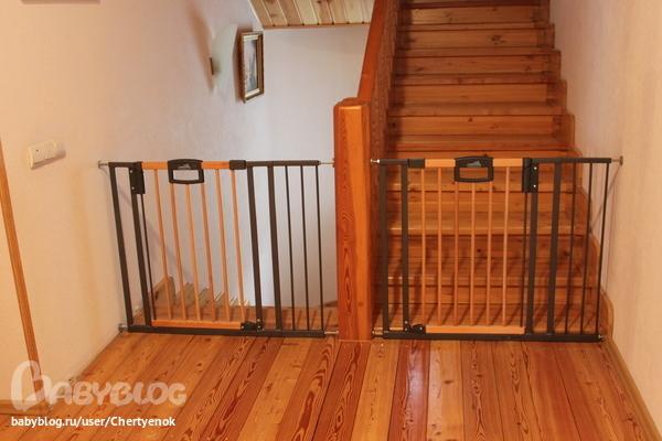 [Ворота безопасности на лестницу от детей своими руками