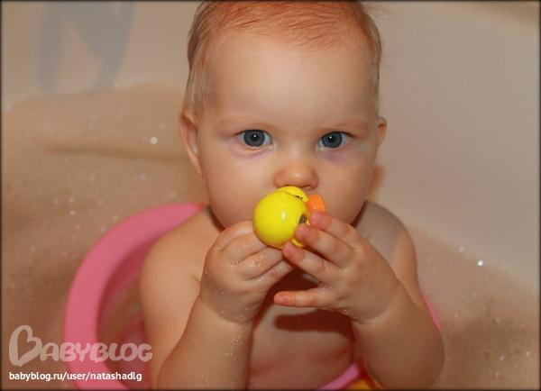 Доченька в ванной