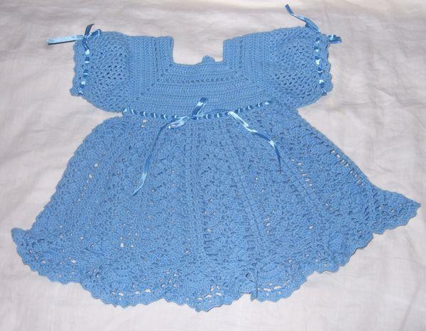 Вязаное платье для девочки с доставкой