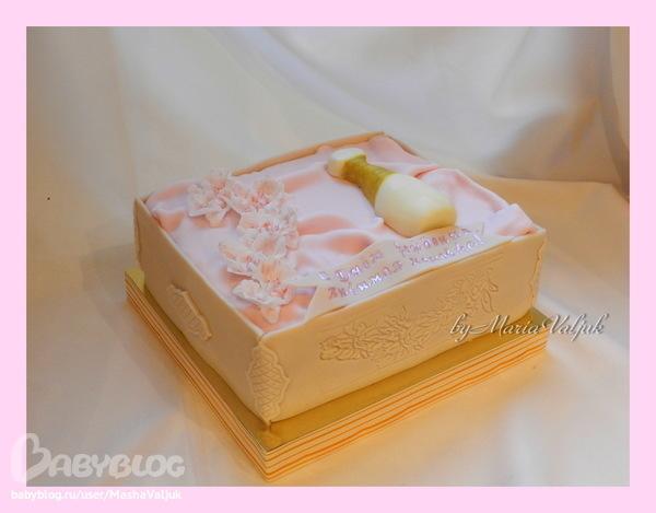 Торт коробка с духами фото