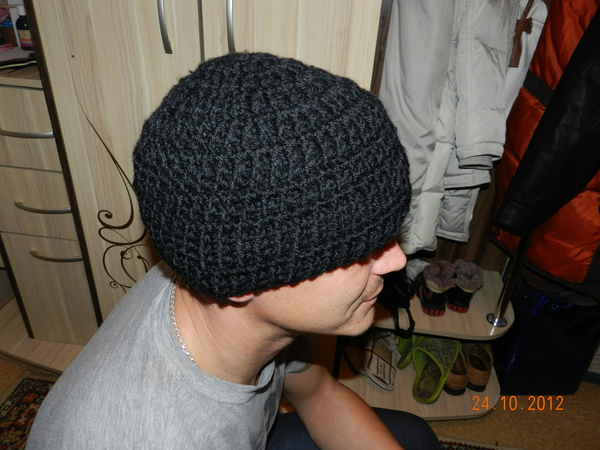 крючком - мужская шапка-3.
