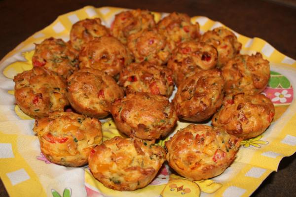 Маффины с беконом и болгарским перцем (рецепт)